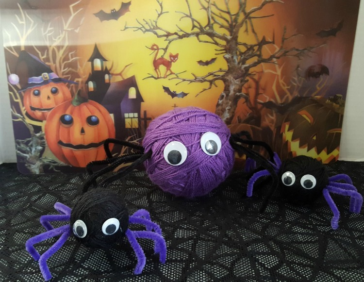 Yarn Halloween Spiders Party Decorations